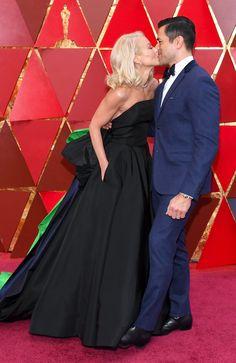 Kelly Ripa And Mark Consuelos - The Cutest Couples At The 2018 Oscars - Photos Kelly Ripa Mark Consuelos, Oscar Photo, Ryan Seacrest, Strapless Dress Formal, Formal Dresses, Academy Awards, Celebrity Couples, Cutest Couples, Film Festival