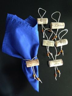 10 Creative Craft Ideas with Cork Stoppers Wine Cork Projects, Wine Cork Crafts, Cork Ornaments, Cork Art, Decoration Table, Diy Crafts To Sell, Diy Gifts, Napkins, Things To Sell