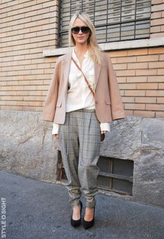 slouchy trousers #StreetStyle #Workwear