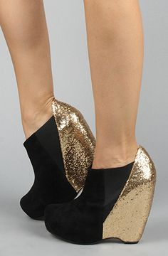 #black #gold #wedge
