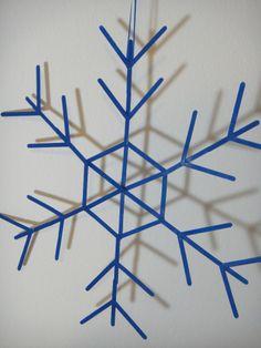 Schneeflocke aus Holzstäbchen