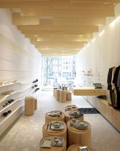 Japanse Winkeltje by Nezu Aymo Architects. Amsterdam studio Nezu Aymo Architects have completed the interiors for a Japanese shop in Amsterdam with strips of bamboo hanging from the ceiling. Centre Commercial, Commercial Design, Commercial Interiors, Best Interior Design Websites, Shop Interior Design, Interior Decorating, Decorating Ideas, Retail Store Design, Retail Shop