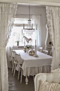meuble style shabby, salle à manger blanche déco style shabby chic