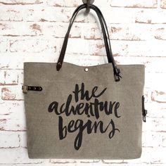 """Le Petit Nantais """"The Adventure Begins"""" / SOben Store"""