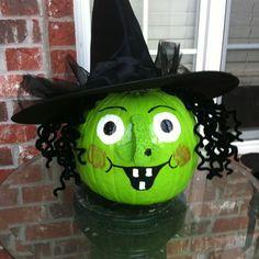 Halloween hacks: 13 creative no-carve pumpkin decorating ideas Dulceros Halloween, Adornos Halloween, Manualidades Halloween, Holidays Halloween, Halloween Themes, Halloween Pumpkins, Halloween Decorations, Witch Pumpkins, Pumpkin Art
