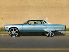 custom donks - Google Search Candy Paint Cars, Detroit Cars, Donk Cars, Rims And Tires, Old School Cars, Hot Rides, Car Painting, Buick, Custom Cars
