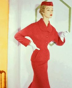 1953 - photo Horst P. Horst Jean Patchett wearing suit and matching hat by Dior