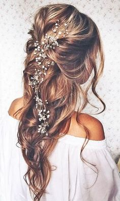 Tendance Coupe & Coiffure Femme Description Most Romantic Bridal Updos And Wedding Hairstyles ❤ See more: www. Romantic Bridal Updos, Boho Bridal Hair, Romantic Hairstyles, Boho Hairstyles, Hairstyle Ideas, Beach Wedding Hairstyles, Wedding Updo, Bridesmaids Hairstyles, Wedding Down Dos