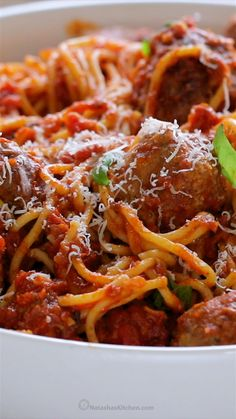 The Best Spaghetti and Meatballs!! Here's the secret to making meatballs super juicy & tasty! #spaghettiandmeatballs #spaghettimeatballs #meatballs #spaghetti #pasta #italian #natashaskitchen #meatballsrecipe #italianmeatballs