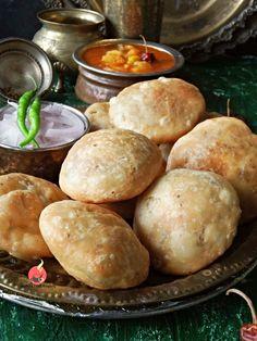 Peas Kachori Recipe, Aloo Sabzi Recipe, Indian Snacks, Indian Food Recipes, Vegetarian Recipes, Indian Breads, Indian Foods, Easy Cooking, Cooking Recipes