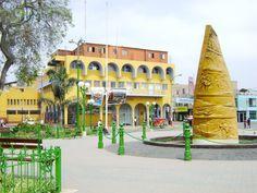 Plaza de Armas de Huaral en Huaral, Lima