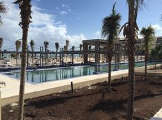 Luxury All inclusive - Royalton Cancun - Diamond Club, Adults only section, and Family section. Gorgeous! THE WATER IS 2 CLEAN 2 BE IGNORED!!!! U HAVE TO GO THERE!!!