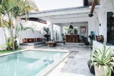 my scandinavian home: Exotic meets boho in a Bali pool villa Outdoor Rooms, Outdoor Living, Indoor Outdoor, Outdoor Bathrooms, Outdoor Lounge, Moderne Pools, Design Exterior, Modern Exterior, Patio Interior