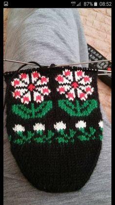 Fair Isle Knitting, Moda Emo, My King, Diy And Crafts, Beanie, Crochet, Hats, Nice, Jewelry