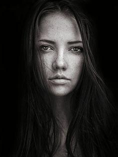 Nadya in Black by Sean Archer on 500px