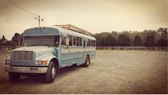 father-son-team-transform-this-bus-into-home-007