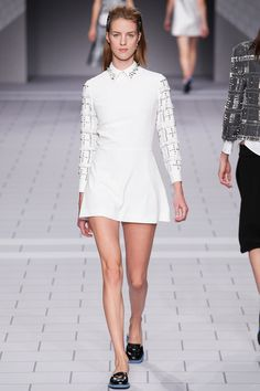 Viktor & Rolf Spring 2014 Ready-to-Wear Collection Slideshow on Style.com