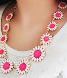 gemstone flower necklace  http://rstyle.me/n/hyb4ypdpe