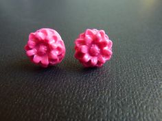Daisy Flower Polymer Clay Stud Earrings on by KristalsKreations20, $6.00