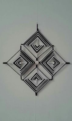 Weaving Projects, Weaving Art, Mandala Design, Mandala Art, God's Eye Craft, Woolen Craft, Dream Catcher Art, Gods Eye, Creation Deco