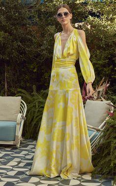 Get inspired and discover Silvia Tcherassi trunkshow! Shop the latest Silvia Tcherassi collection at Moda Operandi. Fashion 2020, Fashion Show, Fashion Design, Fashion Tips, Looks Style, Fashion Dresses, Hijab Fashion, Dress Up, Cold Shoulder Dress