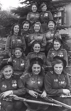Twelve Female Snipers from the Soviet Union's 3rd Shock Army in 1945 – 775 Confirmed Kills in One Picture