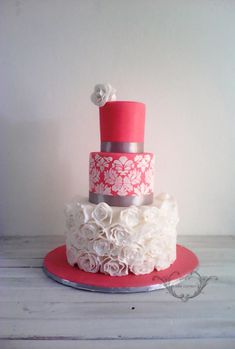 Vintage Wedding Cake by Zee's Cake Corner - http://cakesdecor.com/cakes/263542-vintage-wedding-cake