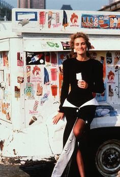 A late 1980s photoshoot feat Julia Roberts. I love everything about this shoot! The background, the undone styling of this structured couture skirt...