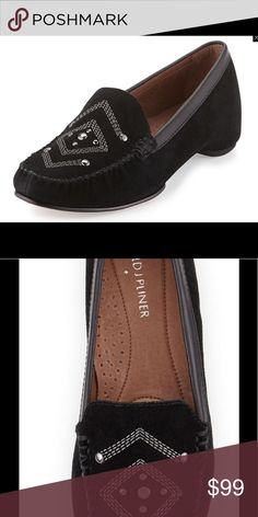 👍🏻JUST ARRIVED👍🏻Donald J Pliner black flats Style and Comfort is this brand and these moc loafers are both😄 Donald J. Pliner Shoes Flats & Loafers