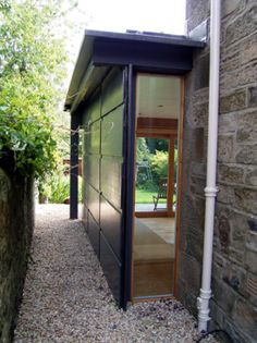 Might this be a way of allowing light in from the side; creating a dual aspect room without putting in a table window that looks at a fence Side Extension, Glass Extension, Modern Exterior House Designs, House Extensions, A Table, My House, Architecture Design, Home And Garden, Edinburgh