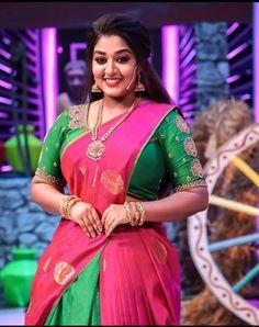 Aunty In Saree, Indian Girls Images, Half Saree, Indian Beauty, Desi, Natural Beauty, Tights, Big, Beautiful