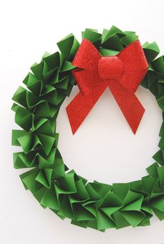 DIY Paper Holiday Wreath