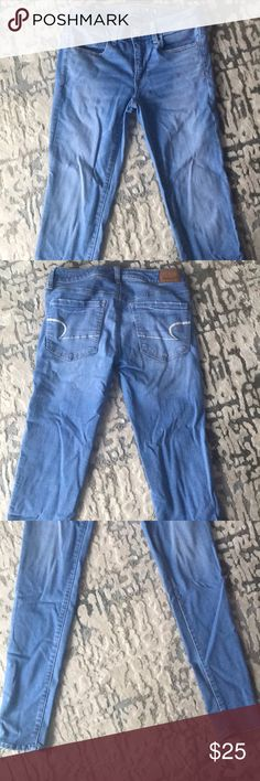 American Eagle Jeggings In excellent condition // just a little wrinkled from sitting in my closet American Eagle Outfitters Jeans Skinny