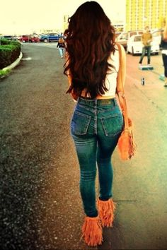 High waisted jeans and fringe boots..if only my backside looked that good;)