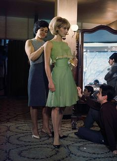 Sylvie Vartan pictured in Paris Match, Photograph by Gerard Gery. 1960s Dresses, Vintage 1950s Dresses, Vintage Outfits, Vintage Wear, Vintage Clothing, Sixties Fashion, Mod Fashion, Vintage Fashion, Club Fashion