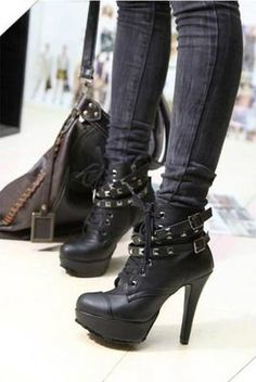 #heels #hellacute Im dying here with all this cute shoes I want them alll