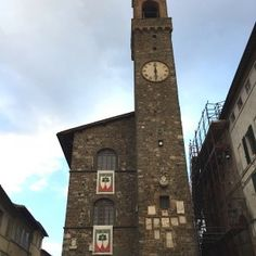 sisters in travel-tour por montalcino-montalcino-itália-Palazzo dei Priori