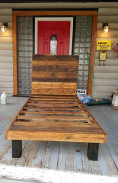 How to Make a Pallet #Bed ???   101 Pallet Ideas