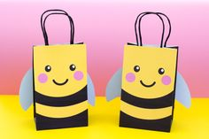 Bumble Bee Favor Bag and Tag Bee Party Favors, Party Gift Bags, Party Gifts, Tea Party, Favor Bags, Goodie Bags, Kids Gift Bags, Lolly Bags, Bee Gifts