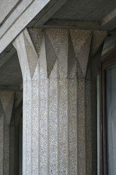 Musee des Traveaux Publics - Auguste Perret Classical Architecture, Architecture Details, Interior Architecture, Interior Design, Concrete Column, Concrete Building, Column Design, Stage Design, Interior Columns