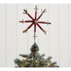 Pottery Barn Plaid Snowflake Tree Topper ($14) ❤ liked on Polyvore featuring home, home decor, holiday decorations, rustic tree topper, christmas tree star topper, rustic christmas tree topper and pottery barn