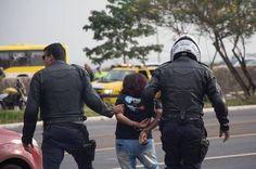 Professores prometem intensificar movimento grevista e situação delicada com o governo do DF pode piorar - http://noticiasembrasilia.com.br/noticias-distrito-federal-cidade-brasilia/2015/10/29/professores-prometem-intensificar-movimento-grevista-e-situacao-delicada-com-o-governo-do-df-pode-piorar/
