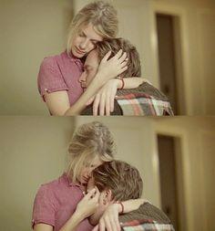"Melanie Laurent & Ewan McGregor in ""The Beginners"""