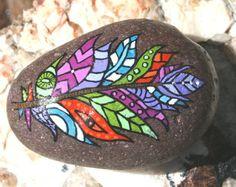 Pintados a mano piedra Mandala y mariposa de por HiddenHorseRocks