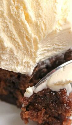 Coca Cola Cake Recipe - If you love the Cracker Barrel version, you will adore this decadent, , moist, fudgy coke cake recipe! Sweet Desserts, Just Desserts, Sweet Recipes, Delicious Desserts, Cupcake Recipes, Cupcake Cakes, Dessert Recipes, Cupcakes, Ma Baker