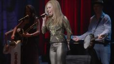 """Pin for Later: 15 of the Best Original Songs From Nashville """"Don't Put Dirt on My Grave Just Yet"""" by Hayden Panettiere (Juliette) This kind of """"dangerous woman"""" country-pop song is truly Juliette's specialty. See also: """"Tell That Devil"""". Nashville Tv Show, Nashville Music, Best Country Music, Country Music Videos, Good Music, My Music, Musica Country, Hayden Panettiere, Pop Songs"""