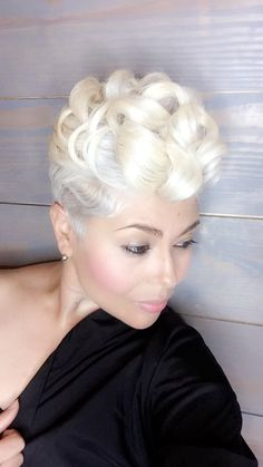 These short black hairstyles are stunning! - My list of women's hair styles Short Sassy Hair, Short Hair Cuts, Pixie Cuts, Short Black Hairstyles, Pretty Hairstyles, Indian Hairstyles, Easy Hairstyles, Curly Hair Styles, Natural Hair Styles
