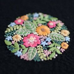 * . . . #刺繍#手刺繍#手芸#embroidery#handembroidery#stitching#needlework#자수#broderie#bordado#вишивка#stickerei