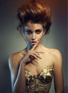Model: Irina Shayk -- Portrait - Fashion - Editorial - Black and White - Photography - Pose Idea Beauty Photography, Portrait Photography, Fashion Photography, Portrait Poses, White Photography, Pelo Editorial, Editorial Fashion, White Editorial, Makeup Editorial