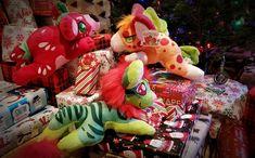 """Santa """"bears"""" gifts!! Plushies, Bears, Santa, Gifts, Presents, Stuffed Animals, Favors, Bear, Gift"""